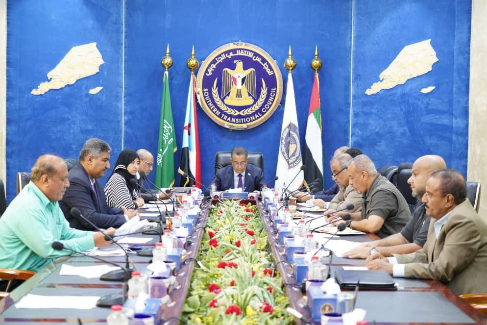هيئة رئاسة المجلس الانتقالي الجنوبي تقف على التطورات العسكرية بمحافظة أبين
