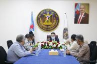 الكاف يبحث مع الأمين العام لاتحاد المنشآت الطبية الخاصة سُبل التنسيق لمجابهة الموجة الثانية لانتشار كورونا