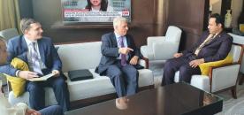 ممثل خارجية الانتقالي عادل الشبحي يستعرض مع السفير الروسي مستجدات الأوضاع السياسية والميدانية في الجنوب