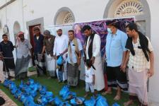 انتقالي المهرة يدشن توزيع مكرمة الرئيس الزُبيدي الرمضانية