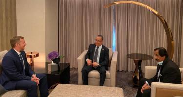 الخُبجي يبحث مع نائب القائم بأعمال السفير الأمريكي جهود تنفيذ اتفاق الرياض والتهيئة للعملية السياسية الشاملة