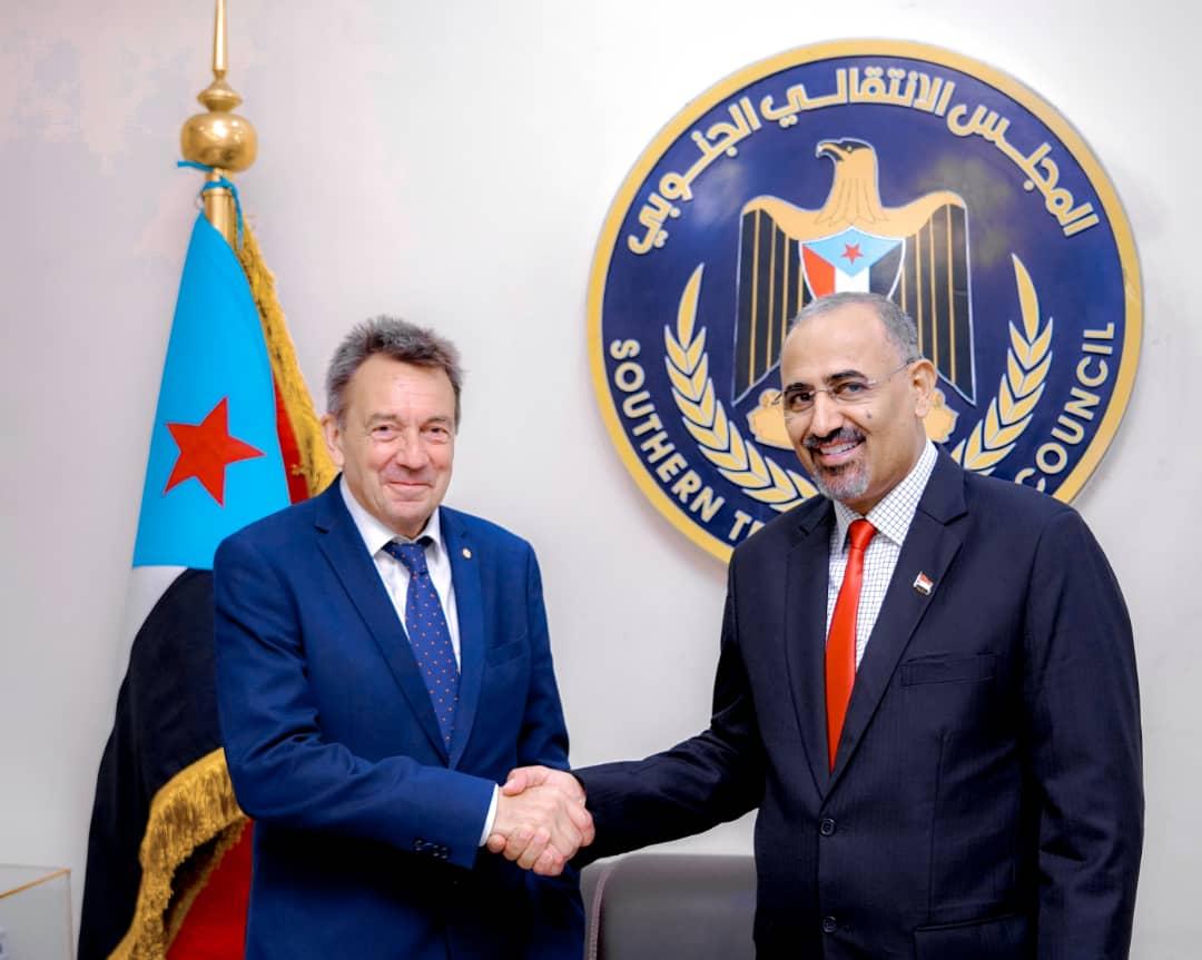الرئيس القائد عيدروس الزُبيدي يستقبل رئيس اللجنة الدولية للصليب الأحمر