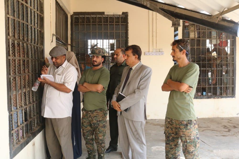 دائرة حقوق الإنسان تواصل نزولاتها التفقدية لإصلاحية سجن المنصورة بالعاصمة عدن