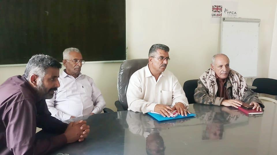 رئيس تنفيذية انتقالي الضالع يناقش اجراءات توفير وتوزيع مادة الغاز المنزلي في المحافظة