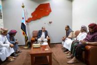 اللواء بن بريك يلتقي عددا من وجهاء مديرية حورة بوادي حضرموت