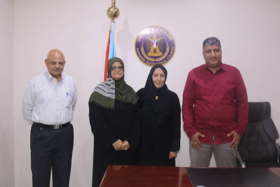 بحضور هيثم.. اتمام مراسم الاستلام والتسليم لإدارة المرأة والطفل في تنفيذية انتقالي العاصمة عدن